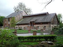 Le Moulin de Louviers (...), par Velvet, 2009. Photo sous licence GNU (source Wikimedia commons)