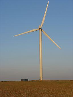 Une éolienne du plateau de Boulay par Walké, image sous licence GNU dsiponible sur Wikimedia Commons