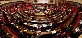 Panorama de l'hémicycle de l'Assemblée nationale réalisé avec des photos prises en septembre 2009 par Richard Ying et Tangui Morlier, photo sous licence Creative commons disponible sur Wikimedia Commons
