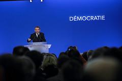 François Bayrou pendant son discours d'ouverture du dernier forum sur la Démocratie à la Maison de la Chimie  tous droits reservés ©Soazig de la Moissonnière