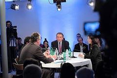 François Bayrou lors du dialogue autour des associations  tous droits reservés ©Soazig de la Moissonnière