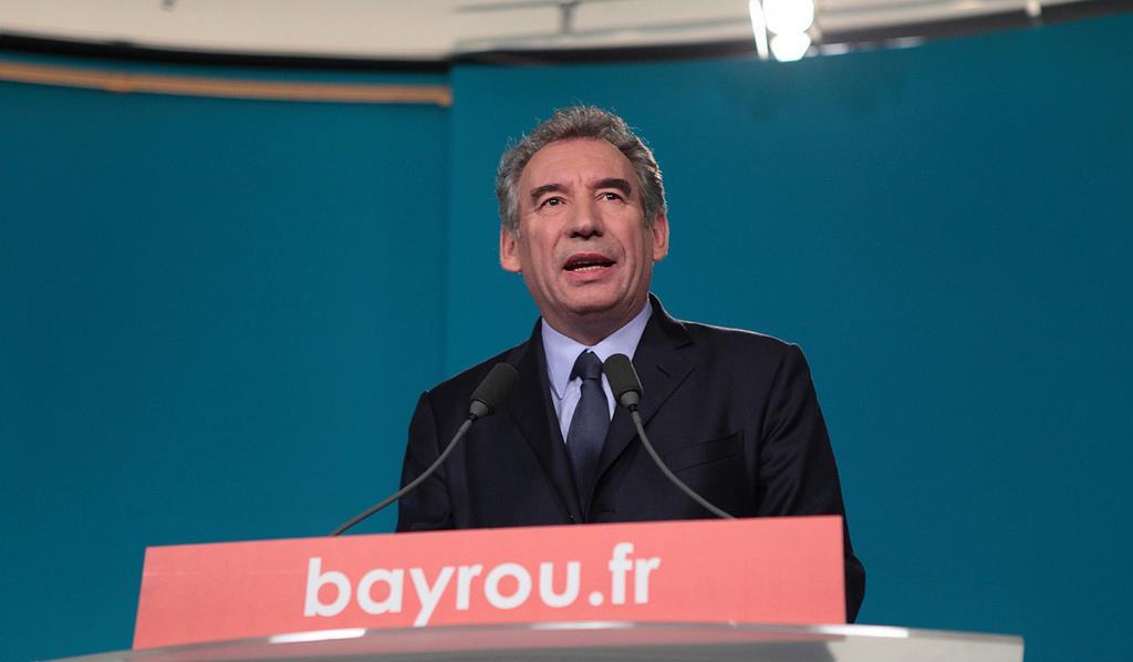 Pendant l'allocution.  Photo @Soazig de la Moissonnière – à QG de campagne de François Bayrou.
