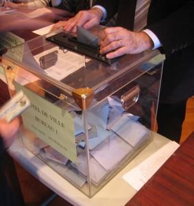 Urne par Pierre-alain dorange, image sous licence GNU disponible sur Wikimedia Commons