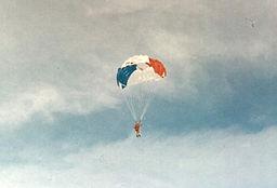 JO-Grenoble1968-Parachutiste