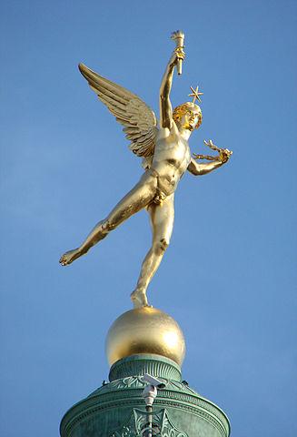 «Génie de la Liberté 975» par Auguste Dumont — Travail personnel Vassil. Sous licence Domaine public via Wikimedia Commons - http://commons.wikimedia.org/wiki/File:G%C3%A9nie_de_la_Libert%C3%A9_975.jpg#mediaviewer/File:G%C3%A9nie_de_la_Libert%C3%A9_975.jpg
