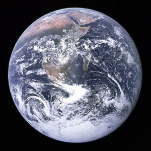 480px-The_Earth_seen_from_Apollo_17