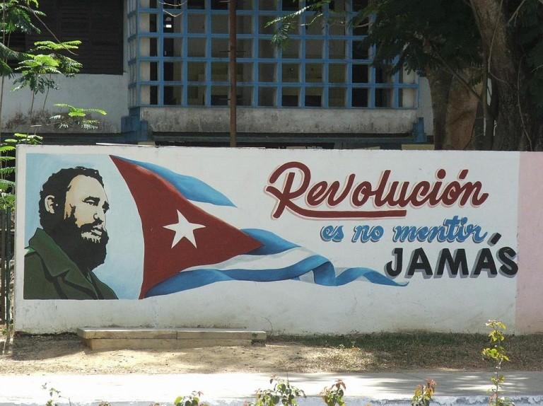 1024px-Propaganda_Pinar_Cuba_4621m